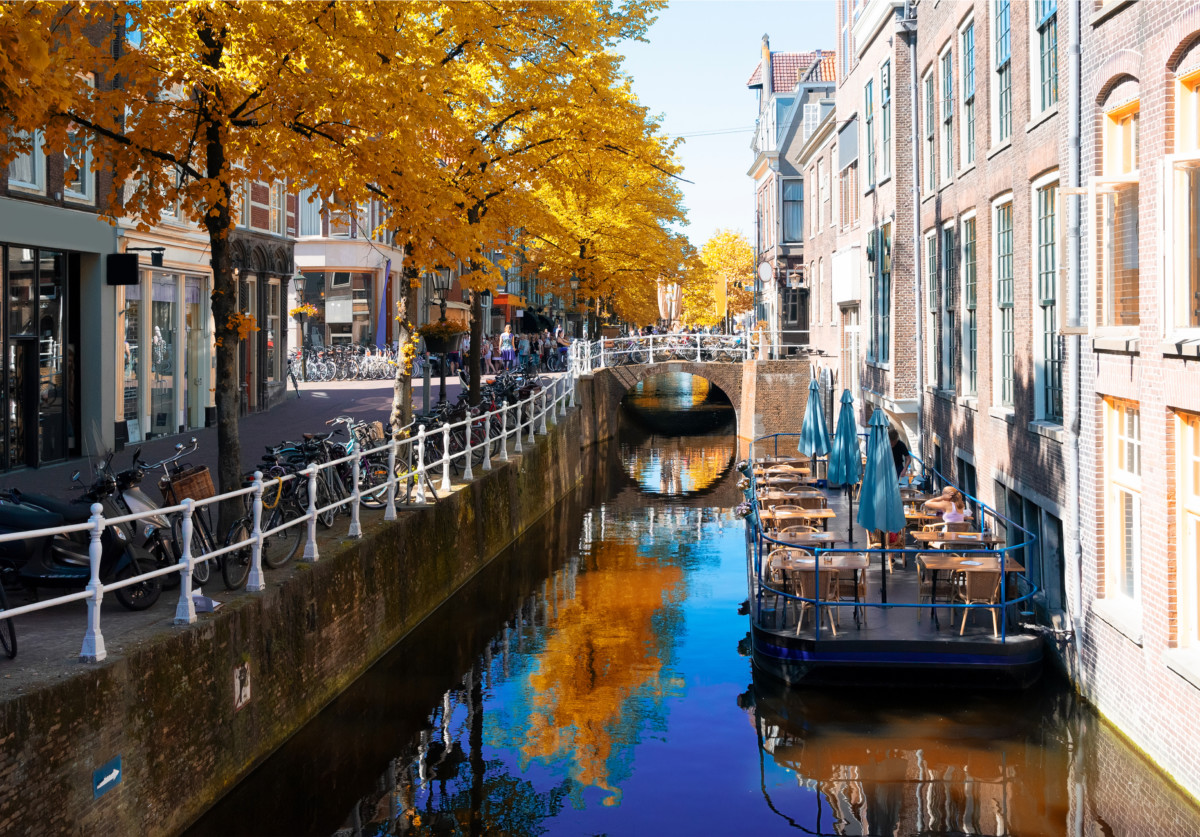 Admiring the Delft canals In Amsterdam old town